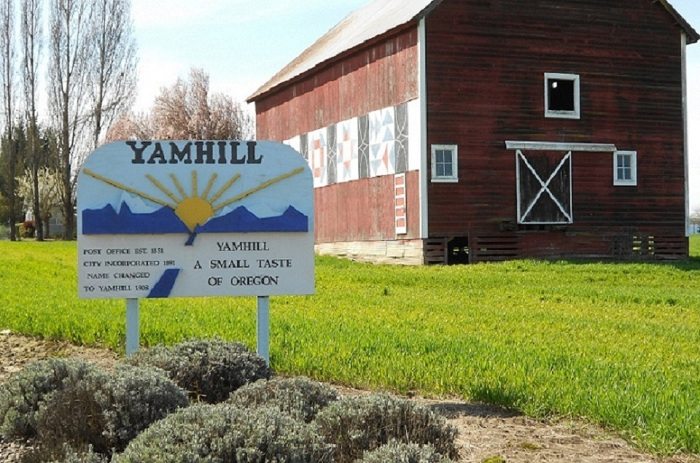 The Yamhill, Oregon welcome sign.