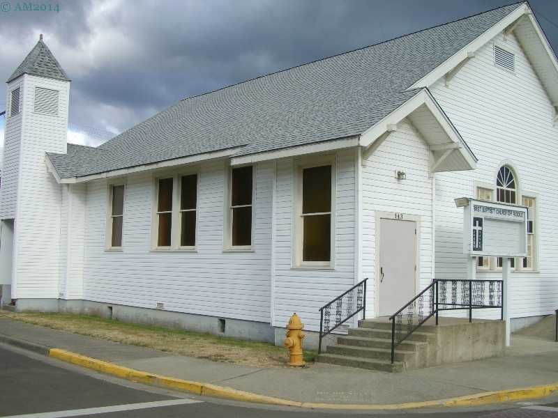 The Baptist church in Riddle, Oregon