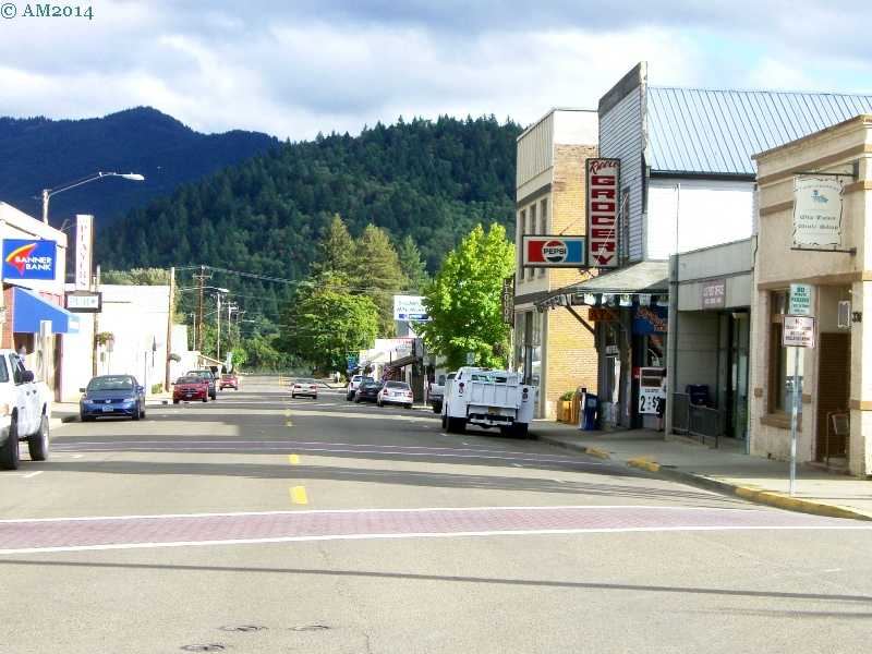 View of main street, Riddle Oregon