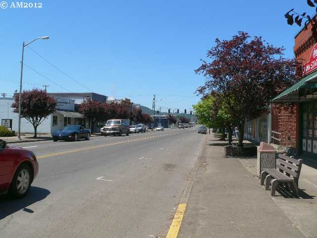 Aview of Main Street, Sutherlin, Oregon.